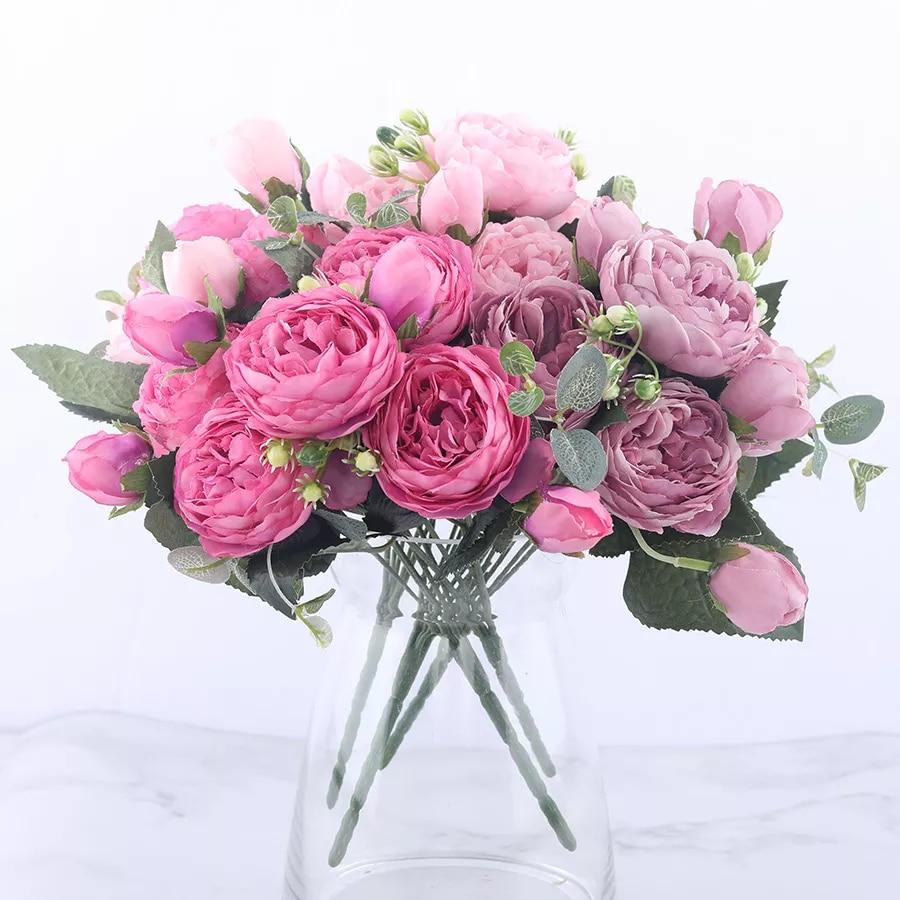Ramo de flores artificiales de peonía