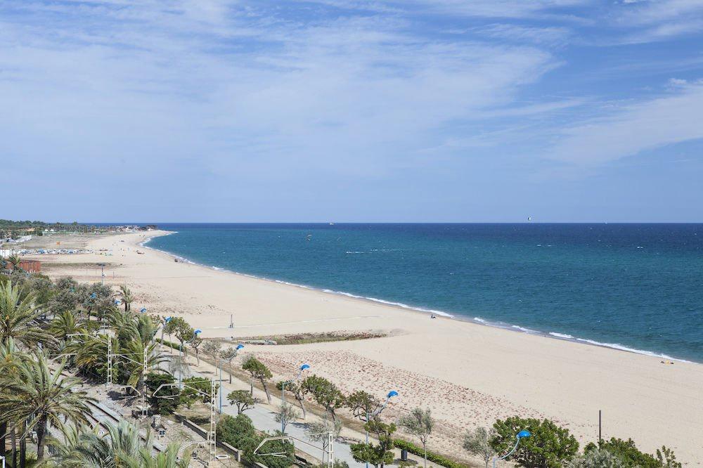 5 Noches en la costa del Maresme en Hotel 3 estrellas junto al mar y con piscina