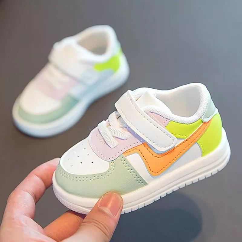 zapatillas deportivas con velcros