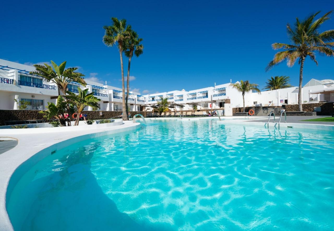 Vuelos directos + 3 Noches Hotel con desayuno incluido en octubre en Lanzarote